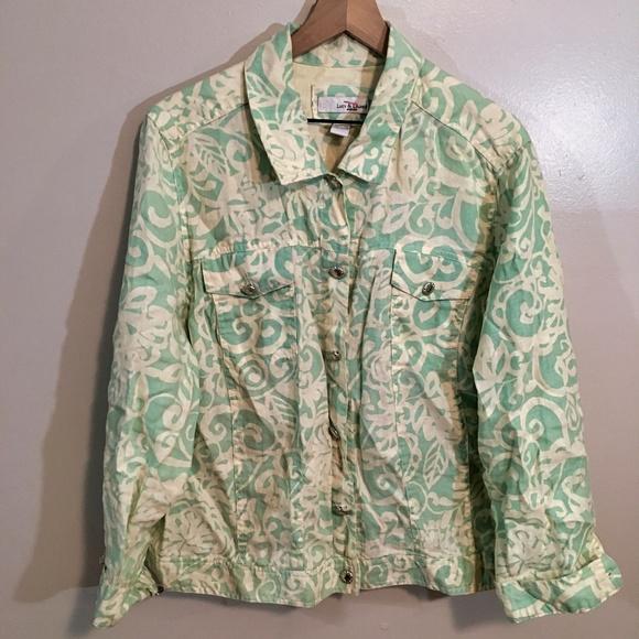 d5baf7862273 Lucy & Laurel Jackets & Coats   Lucy Laurel Button Up Floral Jacket ...